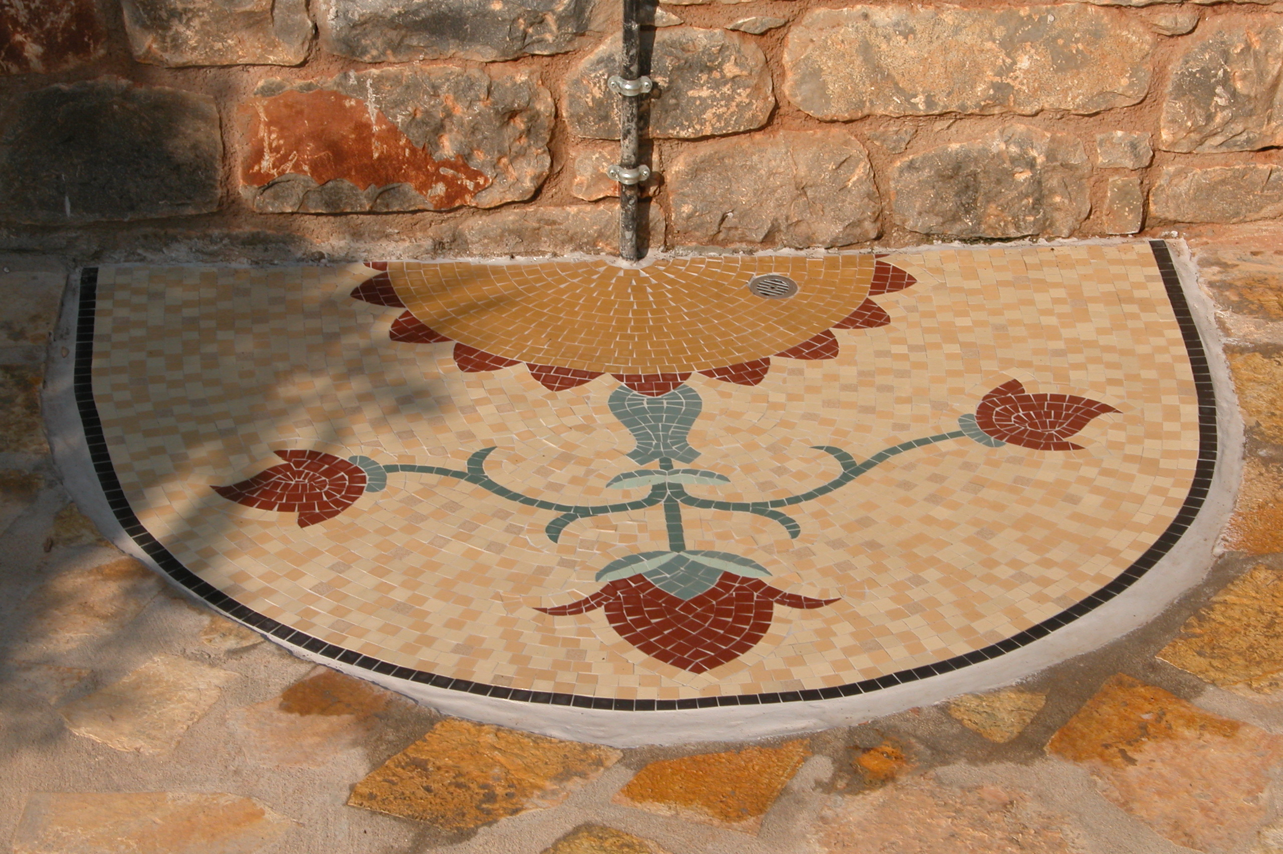 Terra y Sol douche buiten mozaiek