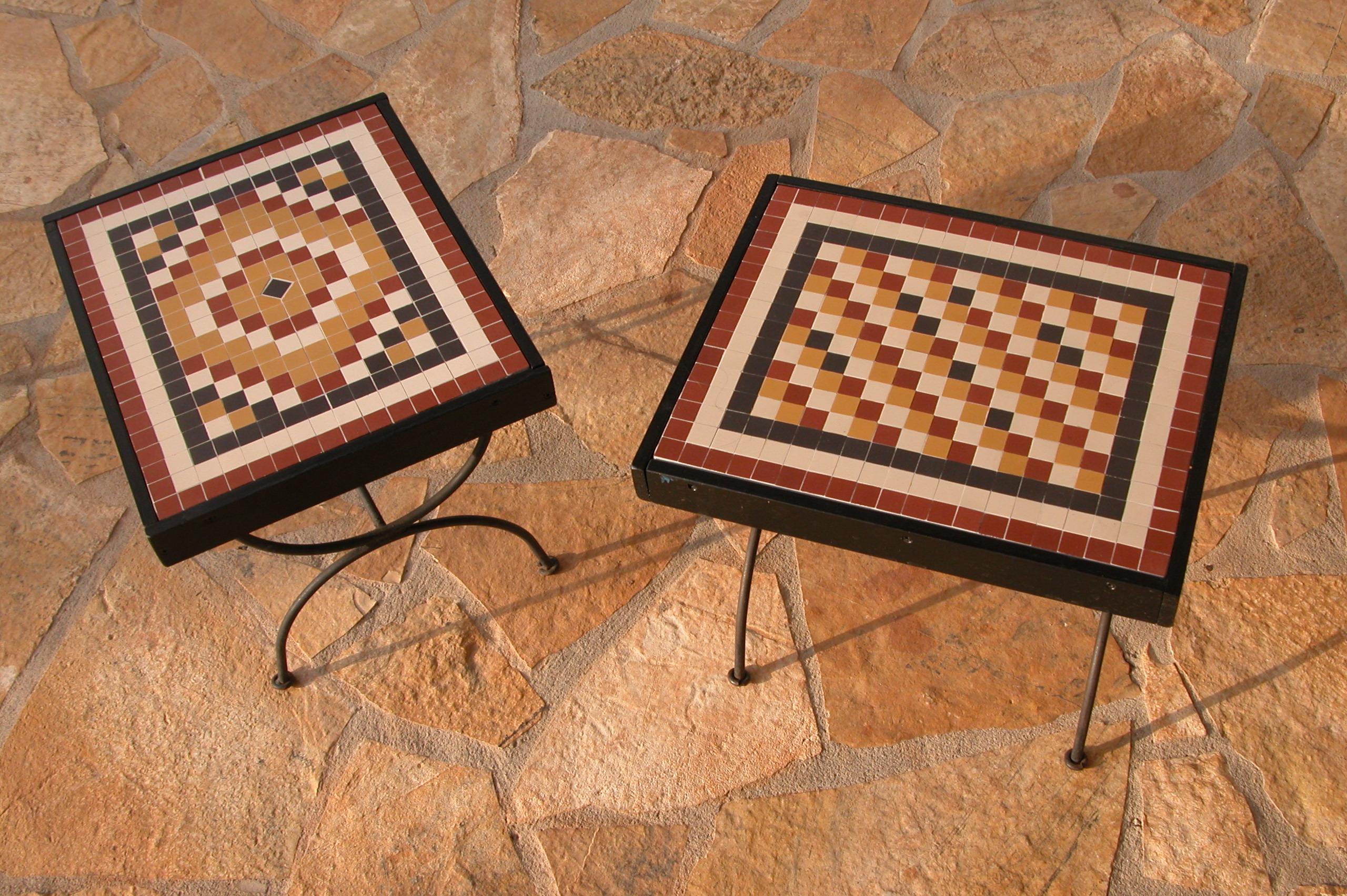 Terra y Sol tafeltjes buiten mozaiek